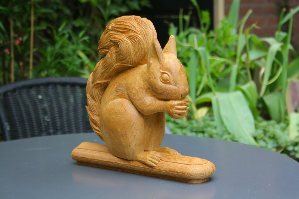 Eekhoorn houtsnijwerk